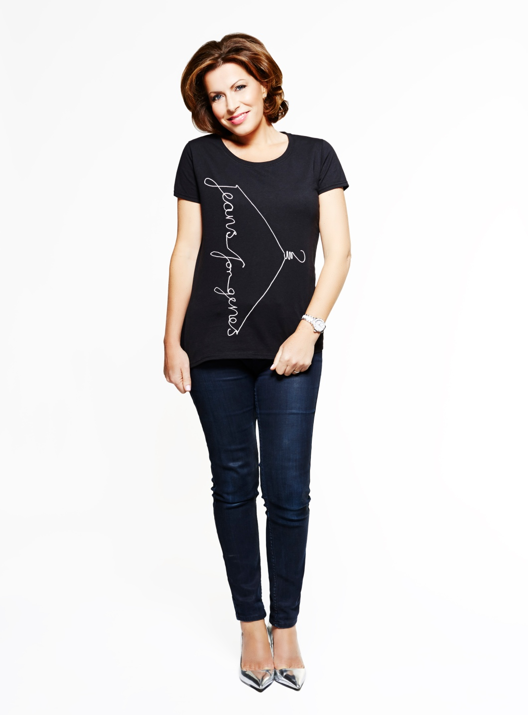 Natasha Kaplinsky in Jeans for Genes black fashion t-shirt