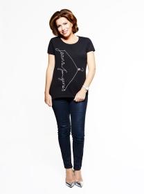 Natasha Kaplinsky in Jeans for Genes black fashion t-shirt