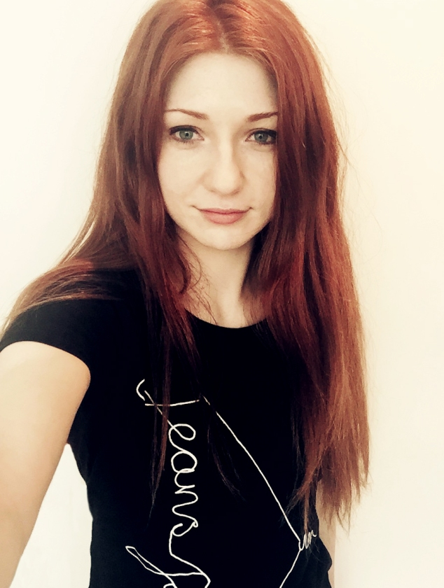 Nicola Roberts in Jeans for Genes fashion t-shirt